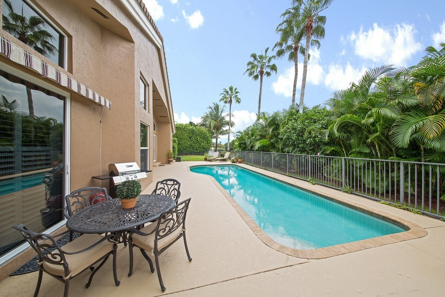 Real Estate Photography - 6062 NW 30th Way, Boca Raton, FL, 33496 - Pool