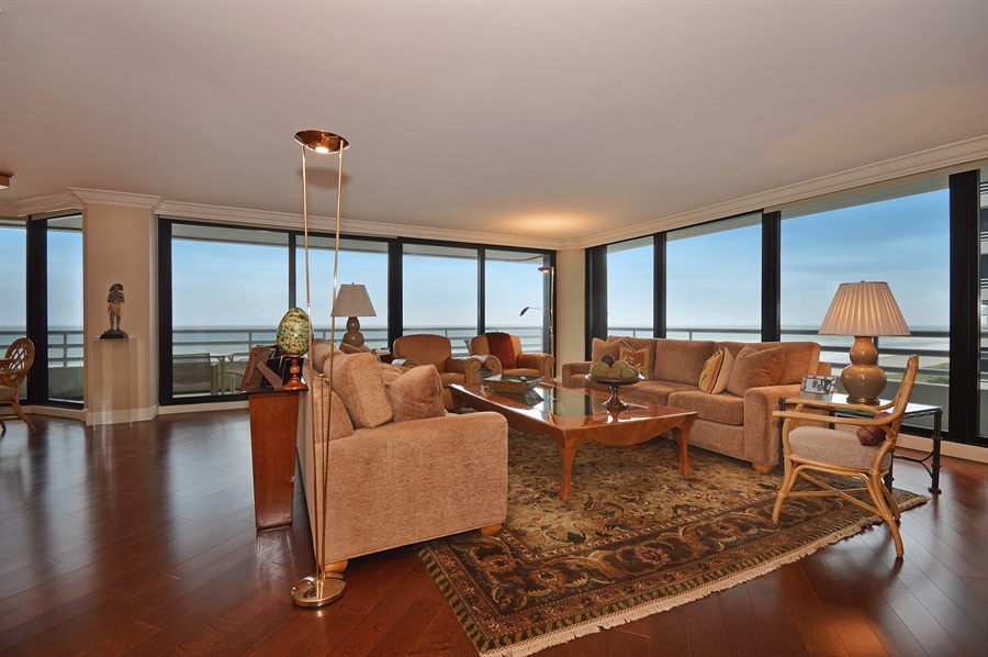 Real Estate Photography - 1400 S Ocean Blvd, N706, Boca Raton, FL, 33432 - Living Room