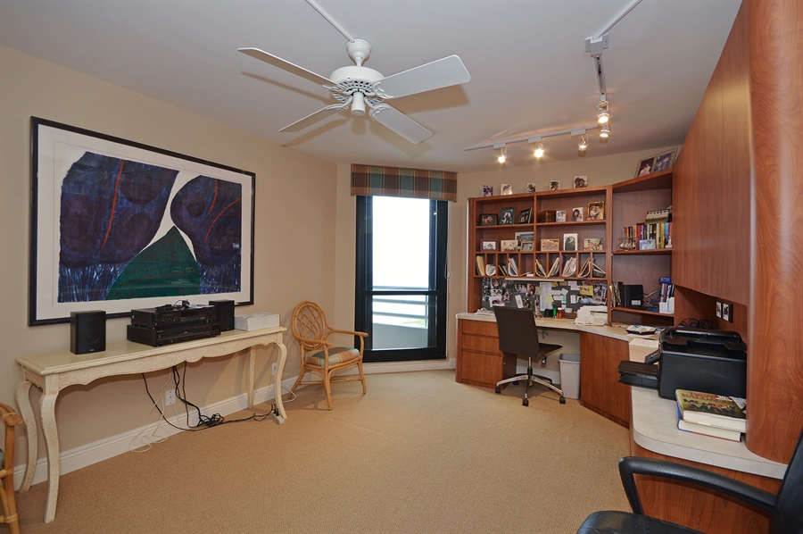 Real Estate Photography - 1400 S Ocean Blvd, N706, Boca Raton, FL, 33432 - Office