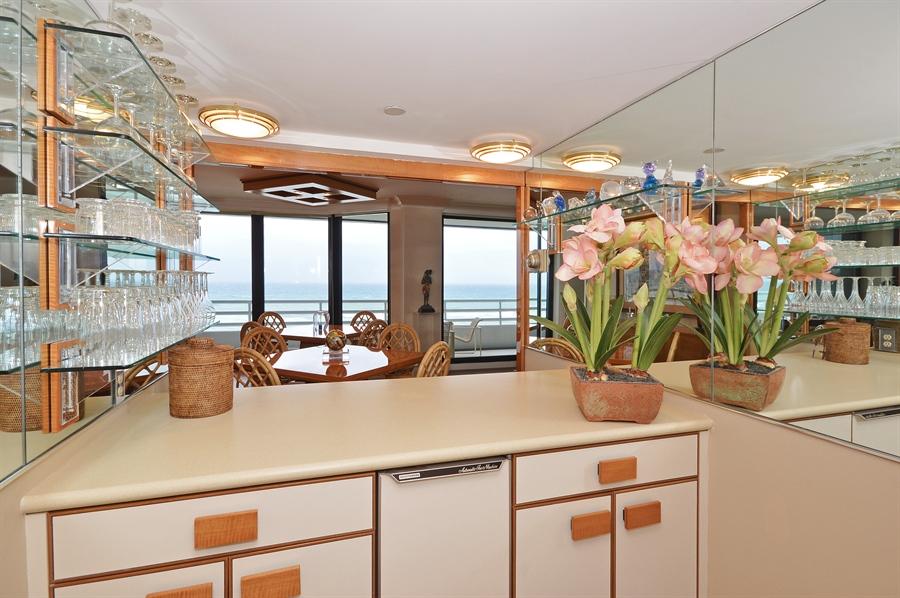Real Estate Photography - 1400 S Ocean Blvd, N706, Boca Raton, FL, 33432 - Bar
