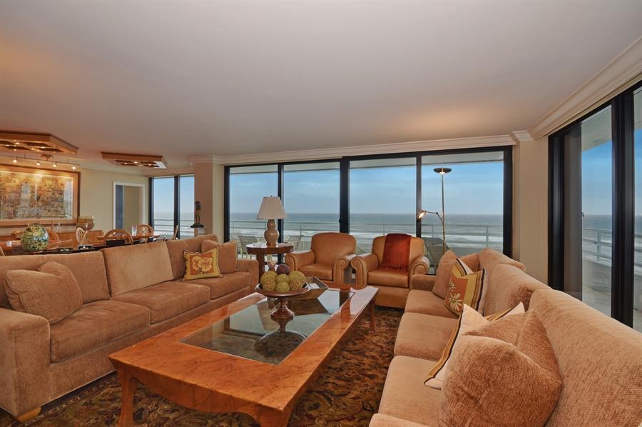 Real Estate Photography - 1400 S Ocean Blvd, N706, Boca Raton, FL, 33432 - Living Room / Dining Room