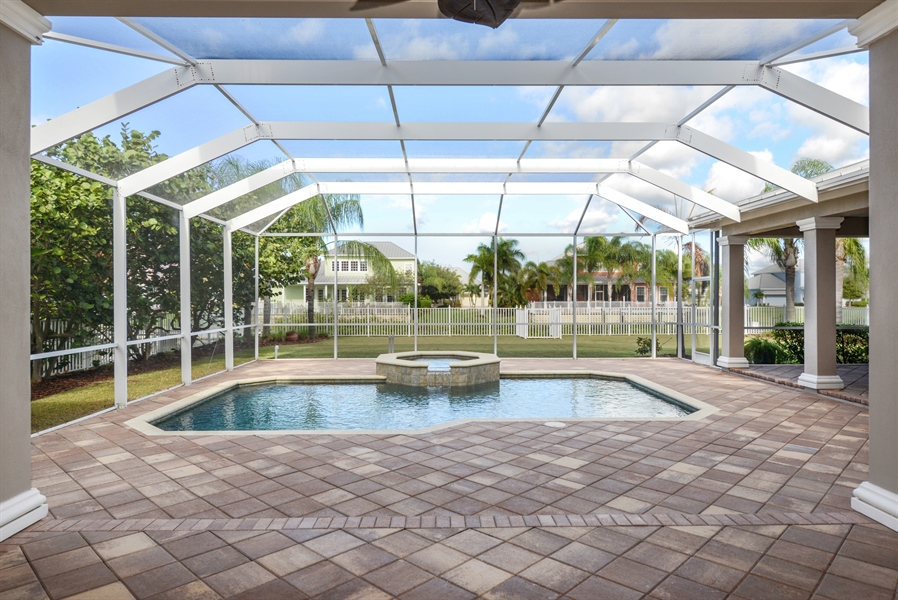 Real Estate Photography - 615 Balibay Rd, Apollo Beach, FL, 33572 - Pool