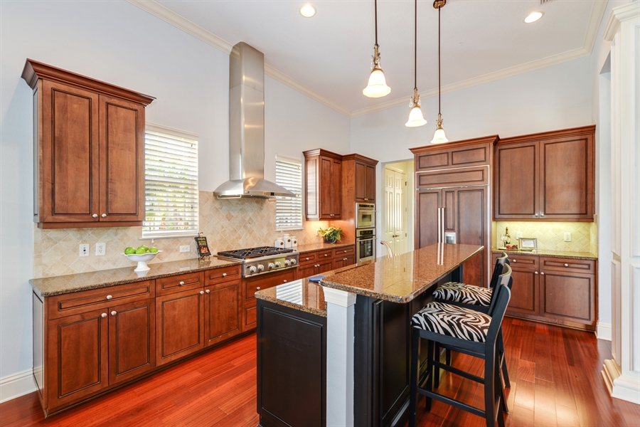 Real Estate Photography - 615 Balibay Rd, Apollo Beach, FL, 33572 - Kitchen