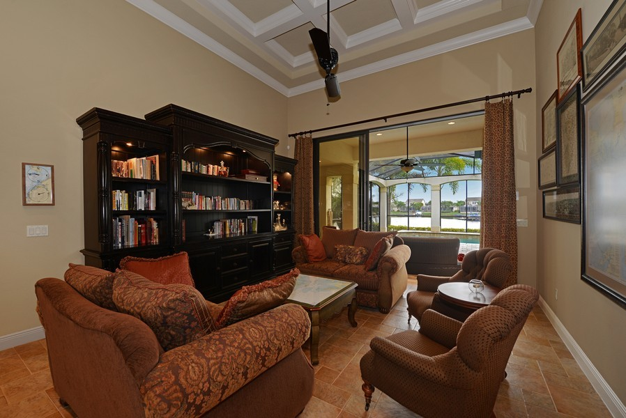 Real Estate Photography - 5417 Tybee Island Dr, Apollo Beach, FL, 33572 - Living Room