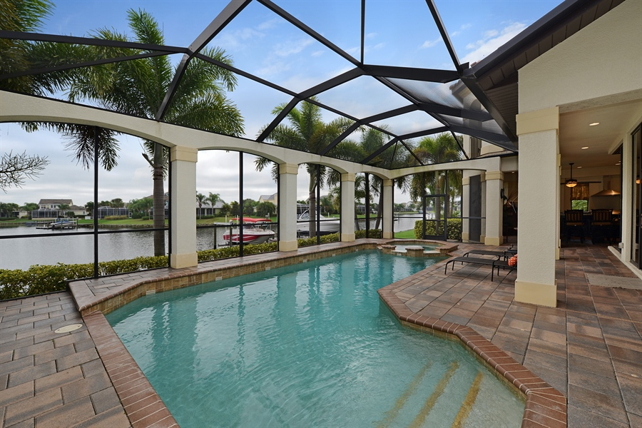 Real Estate Photography - 5417 Tybee Island Dr, Apollo Beach, FL, 33572 - Pool
