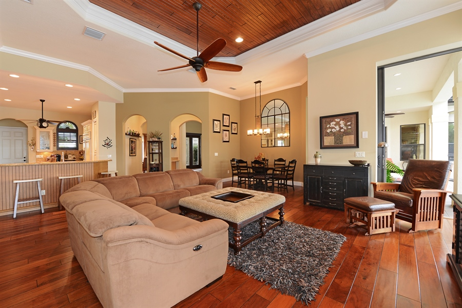 Real Estate Photography - 5417 Tybee Island Dr, Apollo Beach, FL, 33572 - Family Room/Breakfast