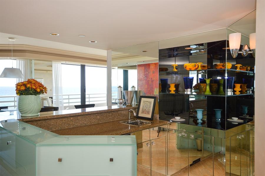 Real Estate Photography - 1500 S Ocean Blvd, Unit S706, Boca Raton, FL, 33432 - Bar