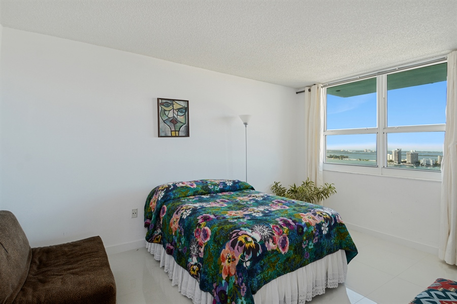 Real Estate Photography - 650 West Ave, Apt 2812, Miami Beach, FL, 33139 - Guest Bedroom