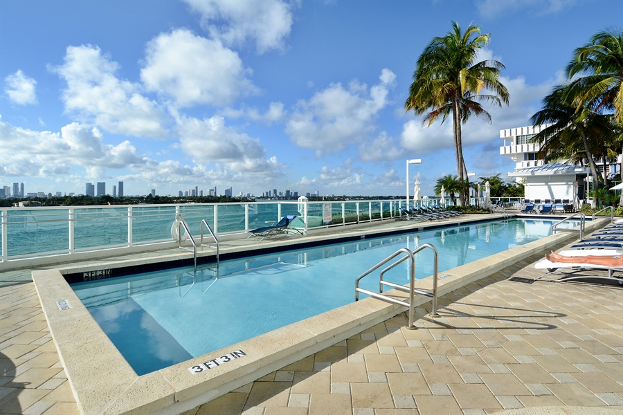 Real Estate Photography - 650 West Ave, Apt 2812, Miami Beach, FL, 33139 - Upper Pool
