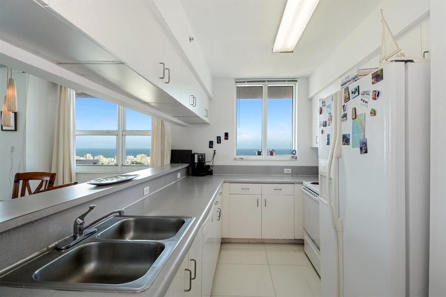 Real Estate Photography - 650 West Ave, Apt 2812, Miami Beach, FL, 33139 - Kitchen