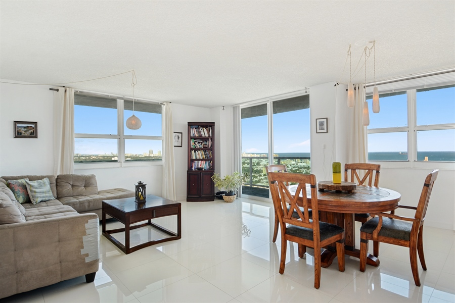 Real Estate Photography - 650 West Ave, Apt 2812, Miami Beach, FL, 33139 - Living Room / Dining Room