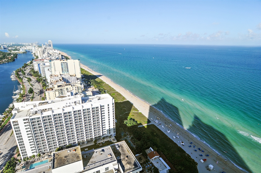 Real Estate Photography - 4779 Collins Ave, Unit 4207, Miami Beach, FL, 33140 - Beach