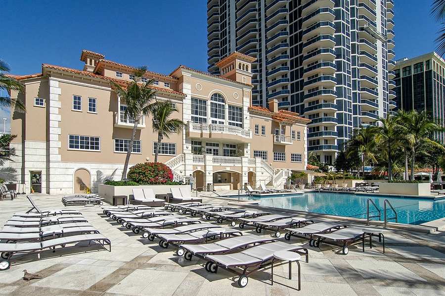 Real Estate Photography - 4779 Collins Ave, Unit 4207, Miami Beach, FL, 33140 - Pool