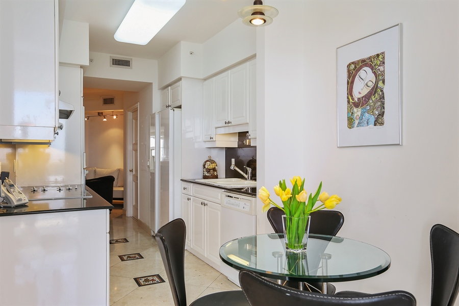 Real Estate Photography - 4775 Collins Ave, Unit 1802, Miami Beach, FL, 33140 - Kitchen / Breakfast Room