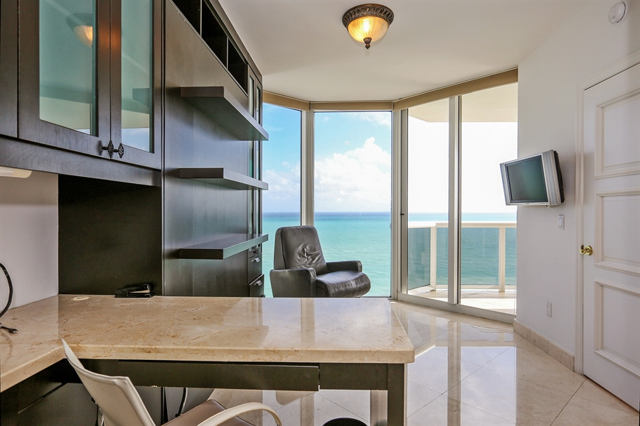 Real Estate Photography - 4775 Collins Ave, Unit 1802, Miami Beach, FL, 33140 - Office