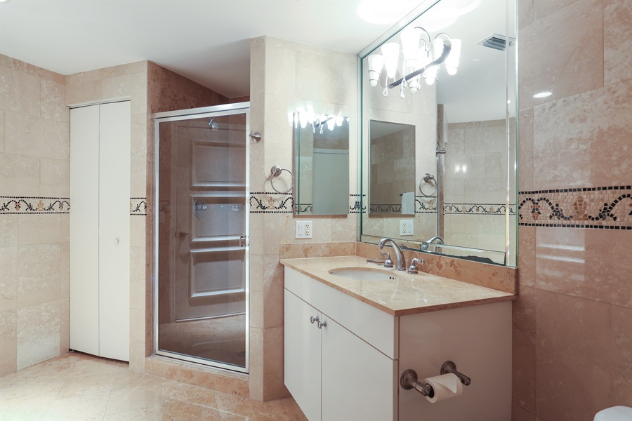 Real Estate Photography - 4775 Collins Ave, Unit 1802, Miami Beach, FL, 33140 - 2nd Bathroom