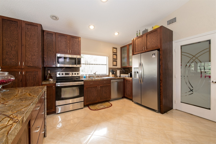 Real Estate Photography - 22640 W Esplanada Circle W, Boca Raton, FL, 33433 - Kitchen