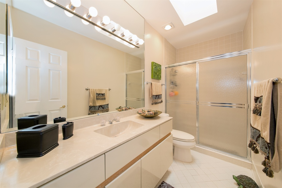 Real Estate Photography - 22640 W Esplanada Circle W, Boca Raton, FL, 33433 - 2nd Bathroom