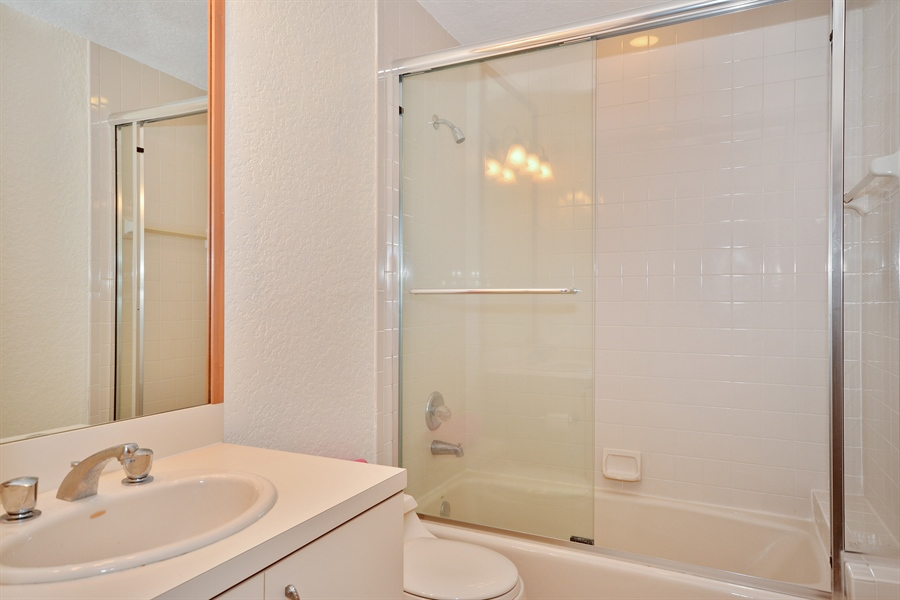 Real Estate Photography - 21133 Ormond Ct, Boca Raton, FL, 33433 - 2nd Bathroom