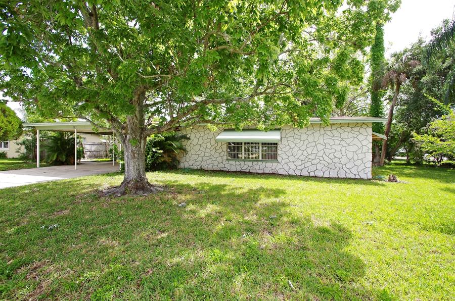 Real Estate Photography - 802 Hampton Way, Merritt Is, FL, 32953 - Front View
