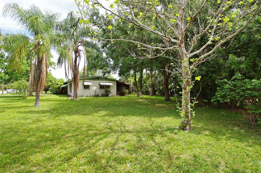 Real Estate Photography - 802 Hampton Way, Merritt Is, FL, 32953 - Side View