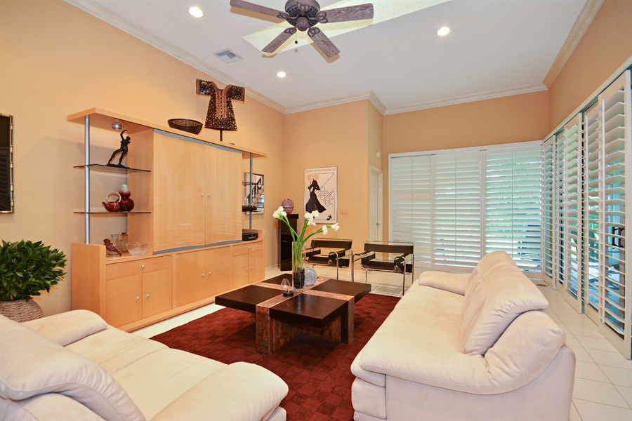 Real Estate Photography - 5154 Lake Catalina Drive, D, Boca Raton, FL, 33496 - Living Room