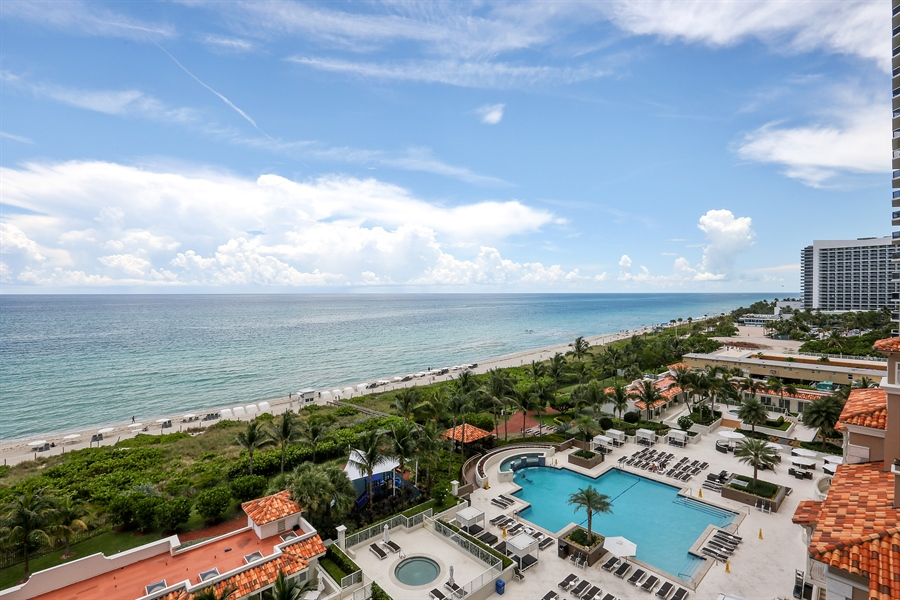 Real Estate Photography - 4779 Collins Ave, 902, Miami Beach, FL, 33140 - Pool