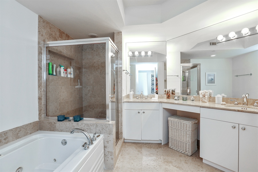 Real Estate Photography - 4779 Collins Ave, 902, Miami Beach, FL, 33140 - Bathroom
