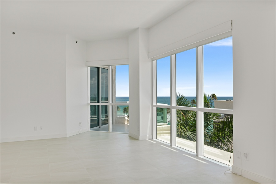 Real Estate Photography - 101 S. FORT LAUDERDALE BEACH BLVD, 607, FORT LAUDERDALE, FL, 33316 - Living Room