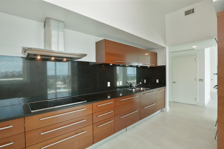 Real Estate Photography - 101 S. FORT LAUDERDALE BEACH BLVD, 607, FORT LAUDERDALE, FL, 33316 - Kitchen