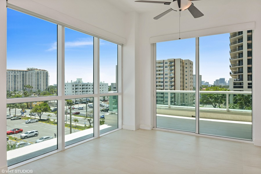 Real Estate Photography - 101 S. FORT LAUDERDALE BEACH BLVD, 607, FORT LAUDERDALE, FL, 33316 - Dining Room