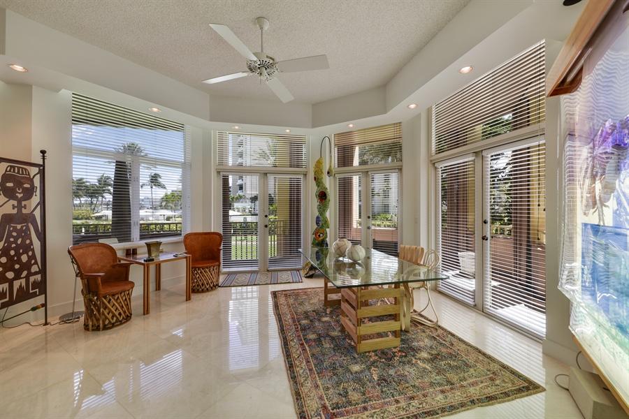 Real Estate Photography - 300 SE 5th Avenue, 1110, Boca Raton, FL, 33432 - Dining Room