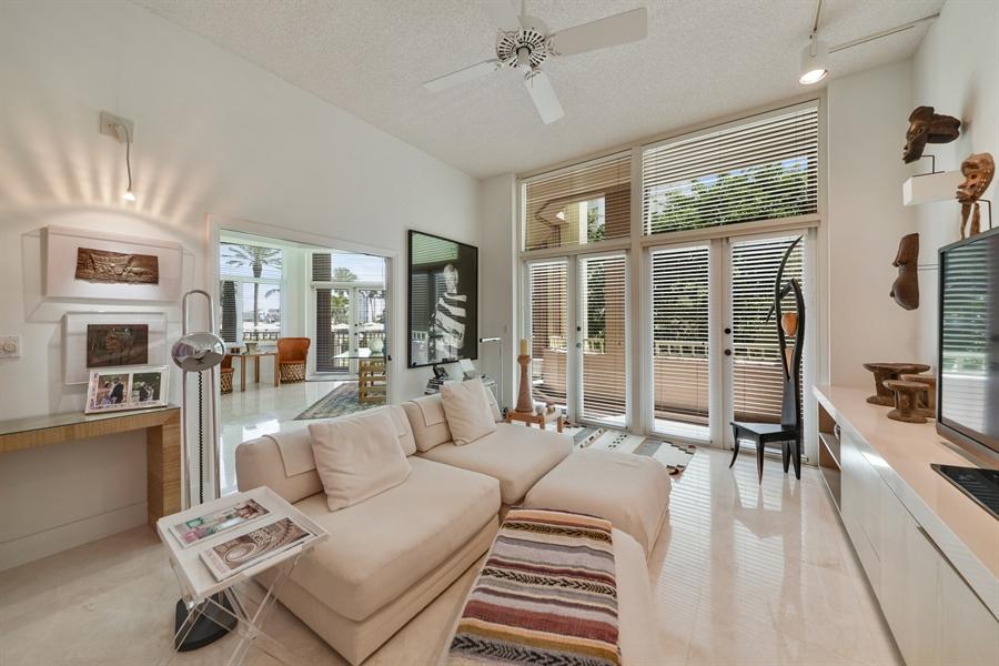 Real Estate Photography - 300 SE 5th Avenue, 1110, Boca Raton, FL, 33432 - Family Room
