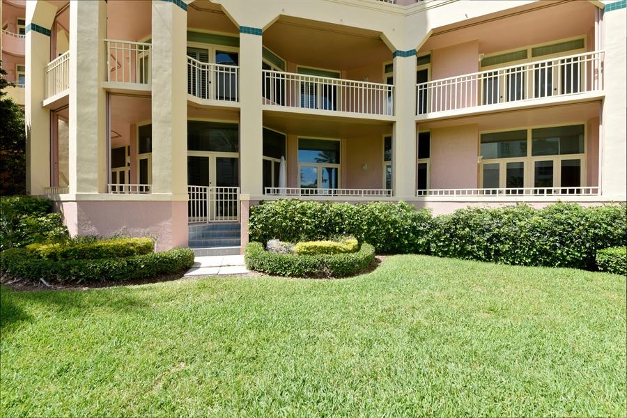 Real Estate Photography - 300 SE 5th Avenue, 1110, Boca Raton, FL, 33432 - Rear View