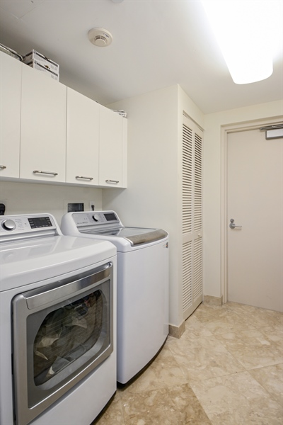 Real Estate Photography - 2845 NE 9th St, unit 1104, Fort Lauderdale, FL, 33304 - Laundry Room