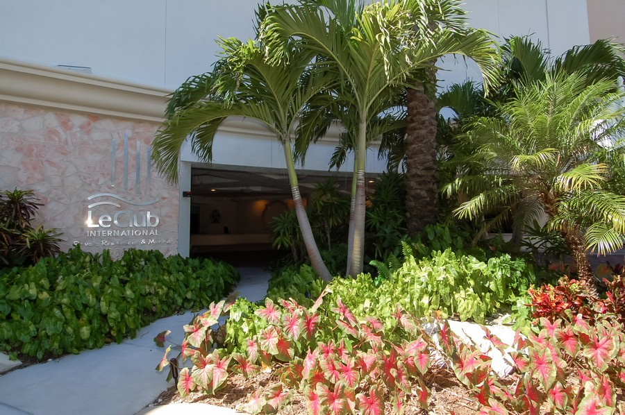 Real Estate Photography - 2845 NE 9th St, unit 1104, Fort Lauderdale, FL, 33304 - Building Courtyard Entry