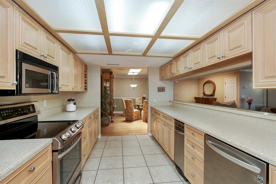 Real Estate Photography - 5717 Westshore Dr, New Port Richey, FL, 34652 - Kitchen