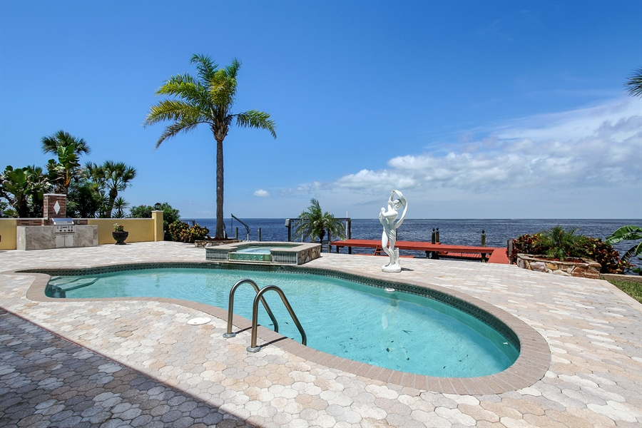 Real Estate Photography - 5717 Westshore Dr, New Port Richey, FL, 34652 - Pool
