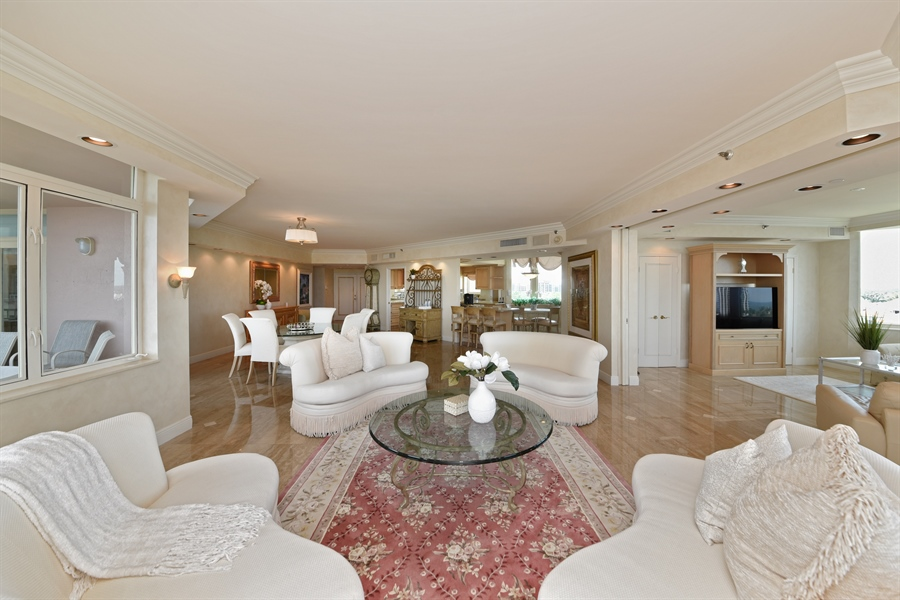 Real Estate Photography - 300 SE 5th Avenue, 7010, Boca Raton, FL, 33432 - Living Room