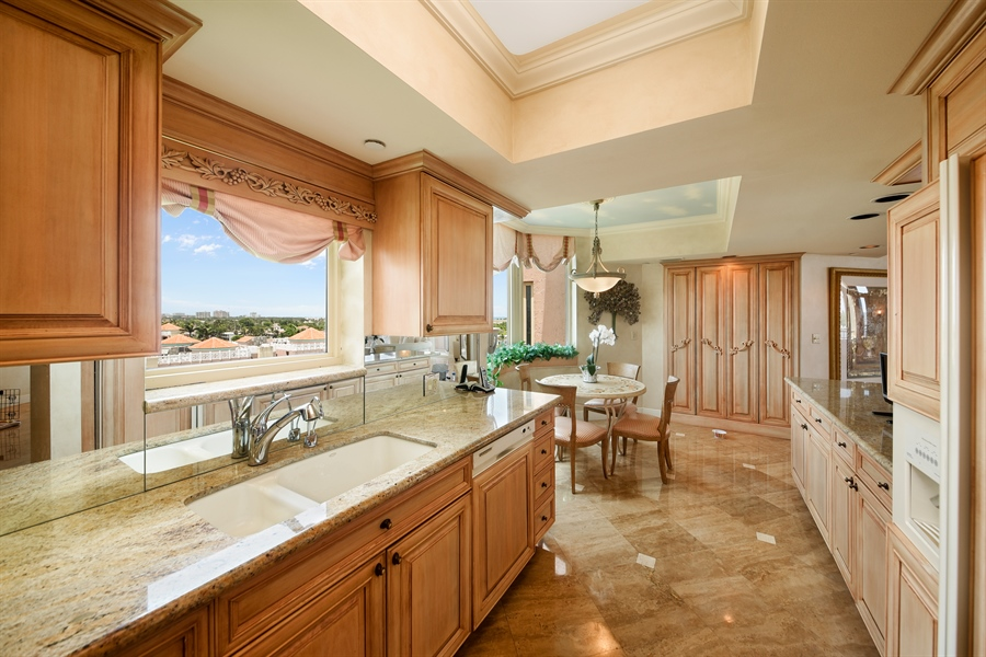 Real Estate Photography - 300 SE 5th Avenue, 7010, Boca Raton, FL, 33432 - Kitchen