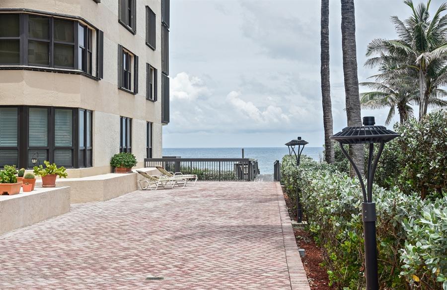 Real Estate Photography - 1155 Hillsboro Mile, 107, Hillsboro Beach, FL, 33062 - Common Sundeck