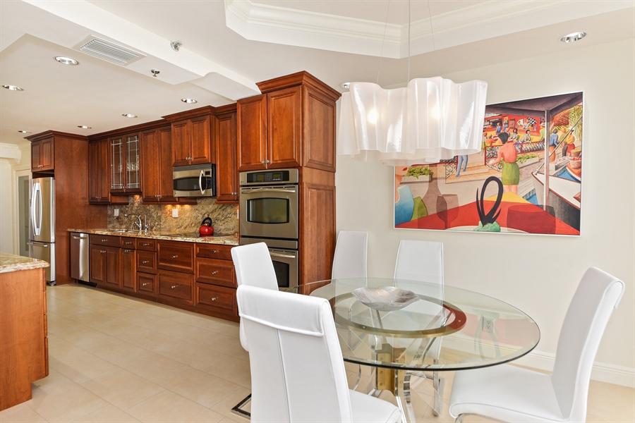 Real Estate Photography - 1155 Hillsboro Mile, 108, Hillsboro Beach, FL, 33062 - Kitchen / Breakfast Room