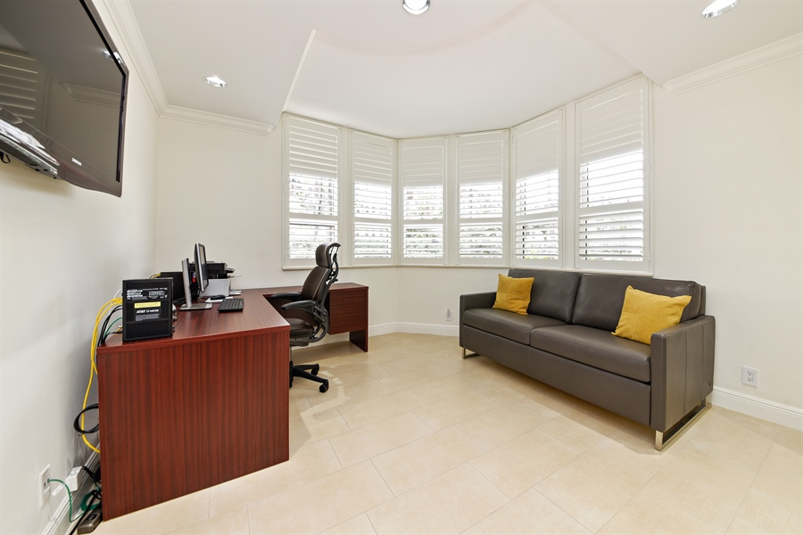 Real Estate Photography - 1155 Hillsboro Mile, 108, Hillsboro Beach, FL, 33062 - Office