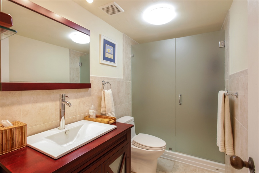 Real Estate Photography - 1 Grove Isle Dr, A1207, Coconut Grove, FL, 33133 - Bathroom