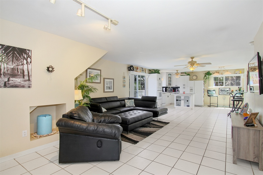 Real Estate Photography - 1811 Gulf Blvd, Indian Rocks Beach, FL, 33785 - Great Room