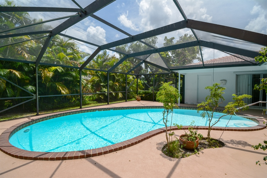 Real Estate Photography - 1000 NW 6th Ter, Boca Raton, FL, 33486 - Pool