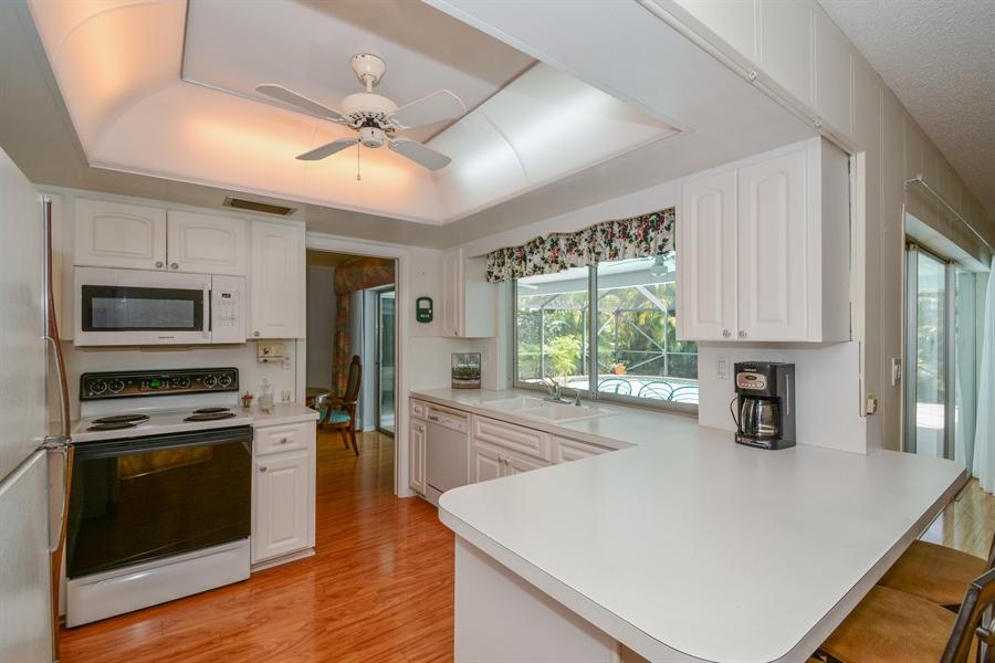 Real Estate Photography - 1000 NW 6th Ter, Boca Raton, FL, 33486 - Kitchen
