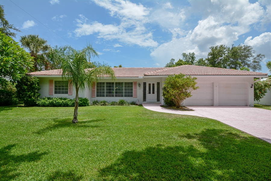 Real Estate Photography - 1000 NW 6th Ter, Boca Raton, FL, 33486 - Front View