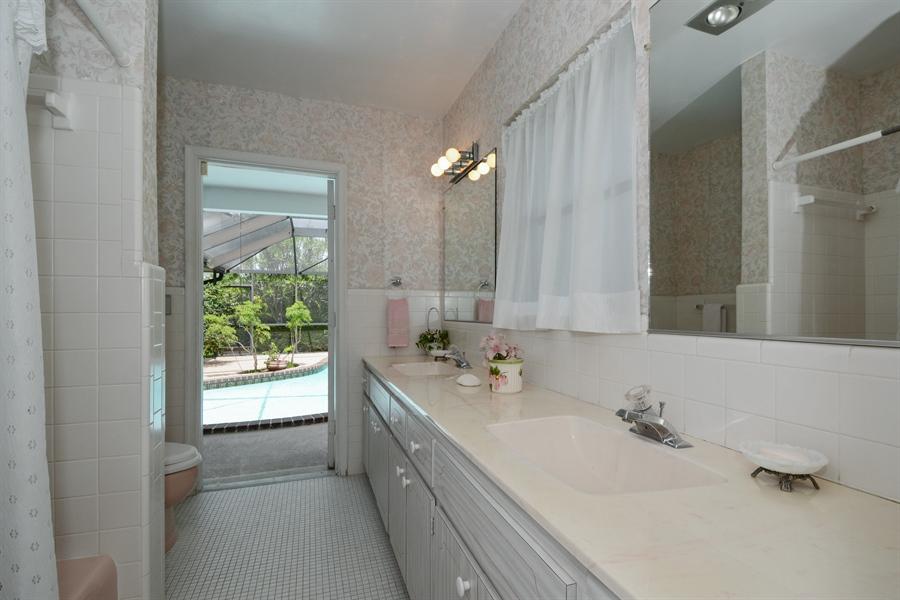 Real Estate Photography - 1000 NW 6th Ter, Boca Raton, FL, 33486 - Bathroom