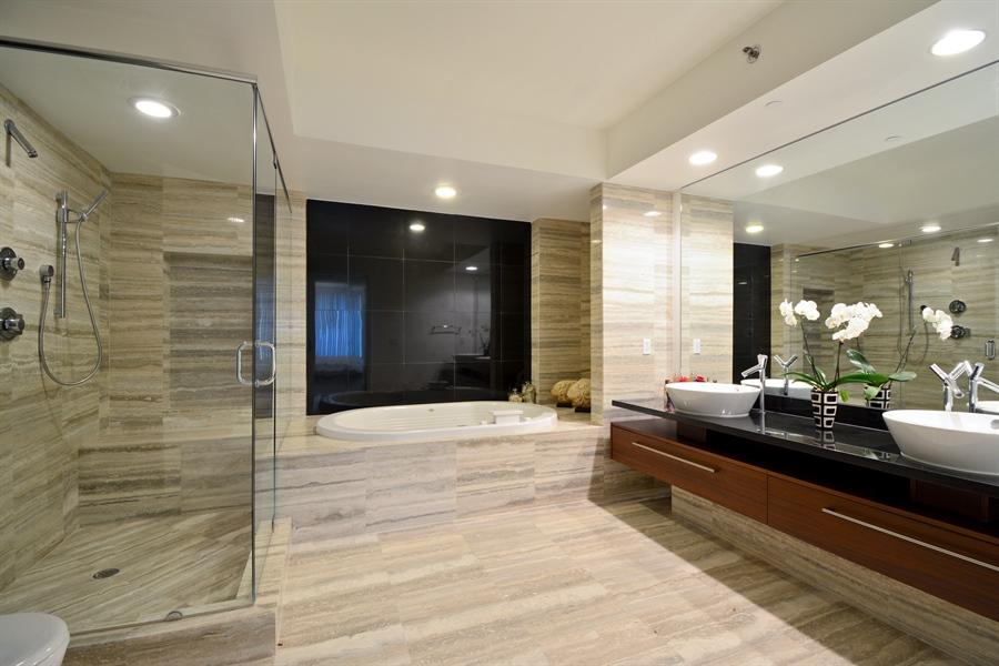 Real Estate Photography - 101 S. FORT LAUDERDALE BEACH BLVD, 2202, FORT LAUDERDALE, FL, 33316 - Master Bathroom